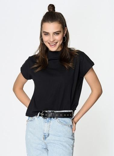 Loves You Dik Yaka Kare Form %100 Cotton T-Shirt Siyah